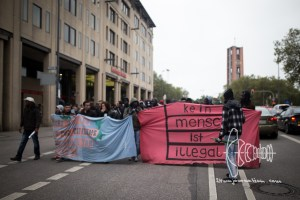 protestmarch beginning 20161008 4 - Refugees start protest march from Munich to Nuremberg