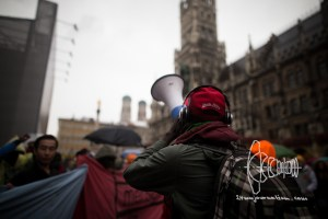 protestmarch beginning 20161008 6 - Refugees start protest march from Munich to Nuremberg