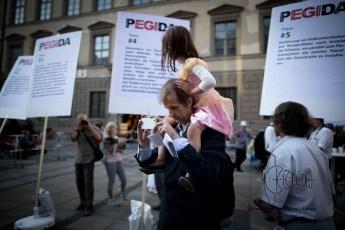 Hartmud P. - repetitly spoke at PEGIDA - brings his daughter