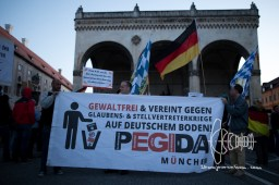PEGIDA branch Munich rallies through the city