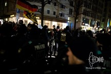 PEGIDA has almost completely passed by the roadblock - Munich police forces just start evicting the block.