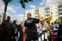As demonstration stops obvious neo-nazis push forward