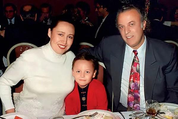 Илья Резник, Мунира Аргумбаева и их сын Артур