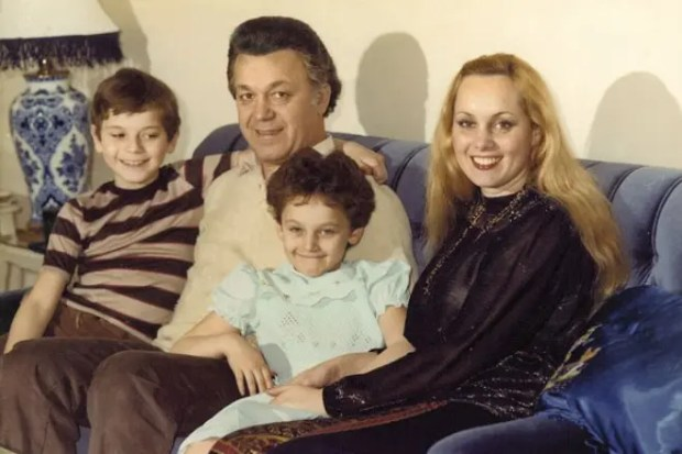 Иосиф и Нелли Кобзон с детьми