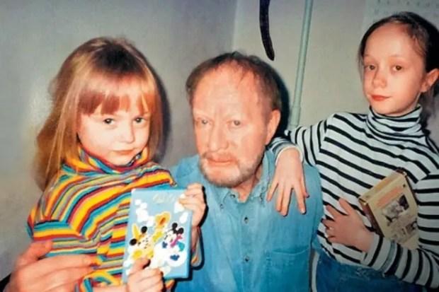Альберт Филозов с дочерьми