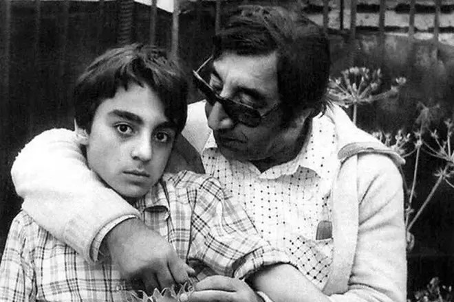 Фрунзик Мкртчян с сыном