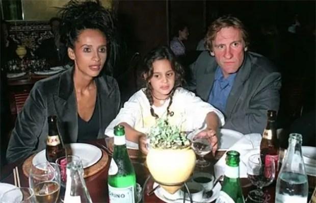 Жерар Депардье,Каринн Силла и их дочь Роксана