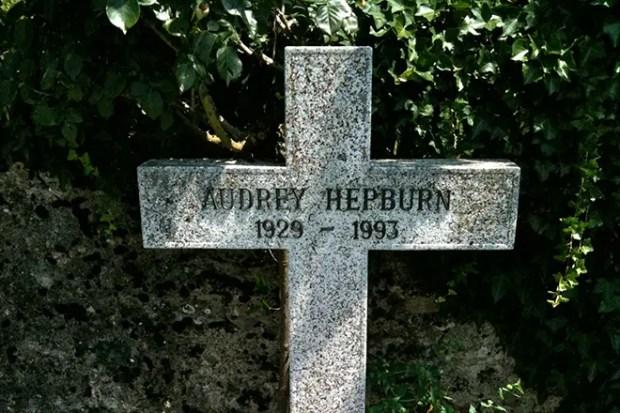 Могила Одри Хепберн