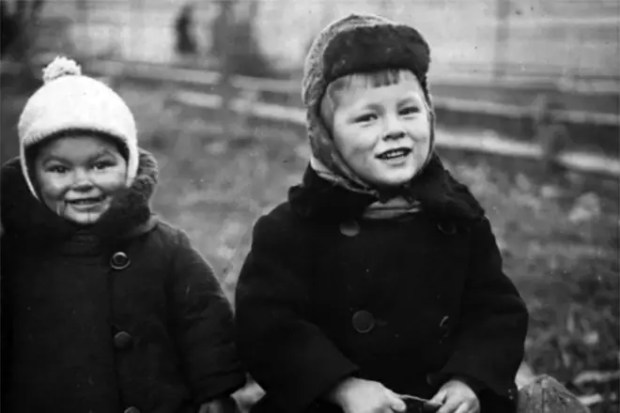 Андрей Тарковский с сестрой Мариной