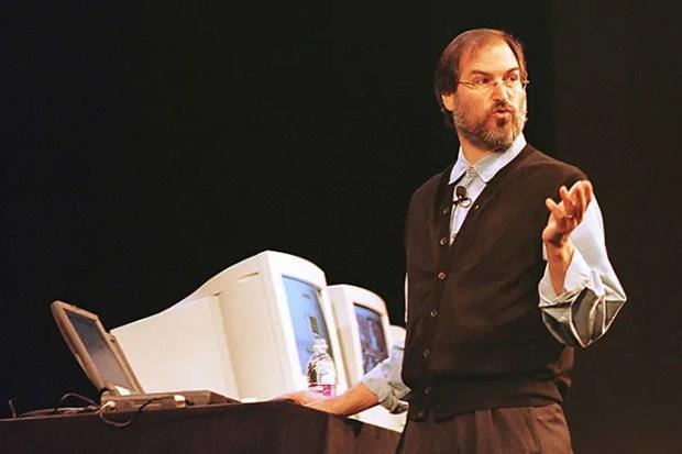 Стив Джобс возвращается в Apple