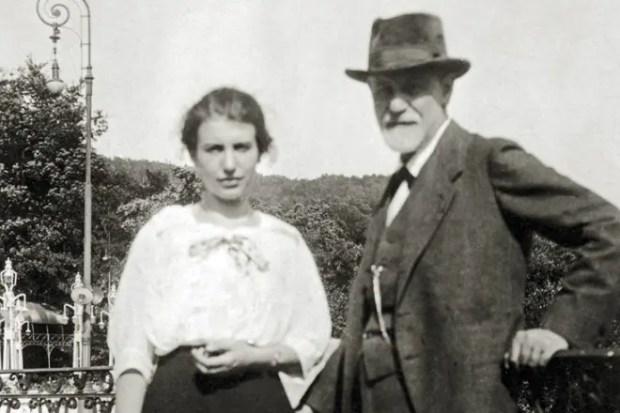 Зигмунд Фрейд с дочерью Анной