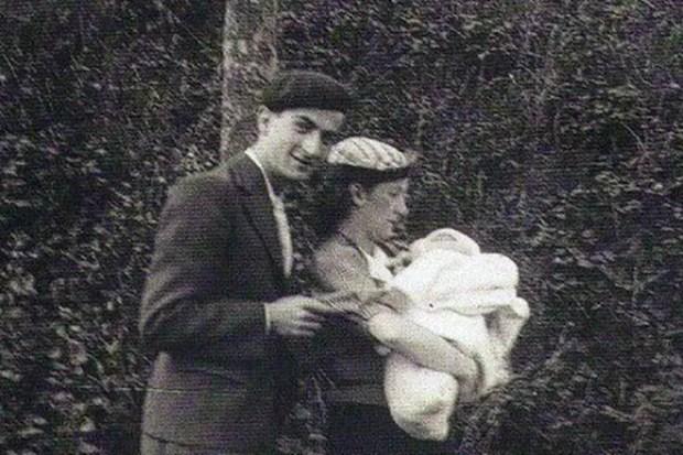 Луи де Фюнес с первой женой