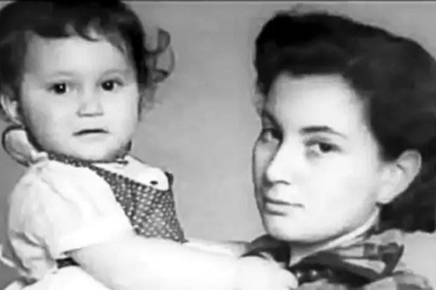 Первая жена Георгия Данелии Ирина Гинзбург с дочерью Светланой