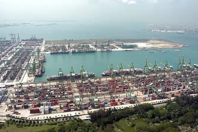 Какой порт занимает первое место по грузообороту