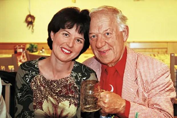 Олег Попов с женой Габриэлой