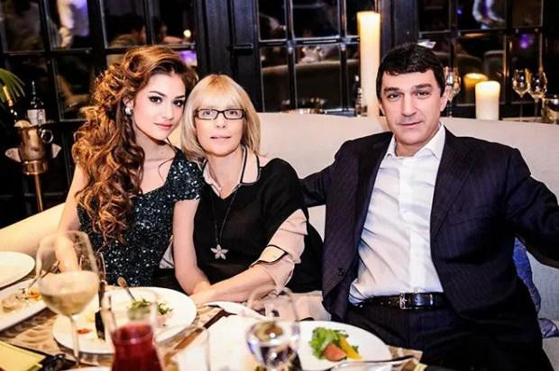 Вера Глаголева и Кирилл Шубский с дочерью Анастасией