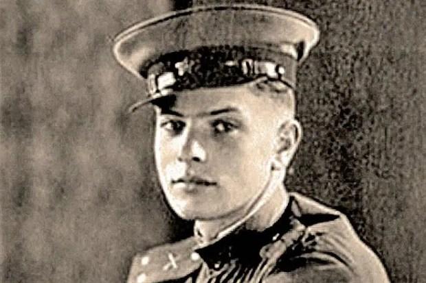 Петр Тодоровский в молодости