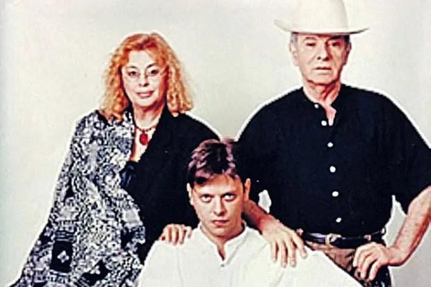 Петр Тодоровский с семьей