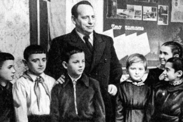 Евгений Шварц с юными читателями