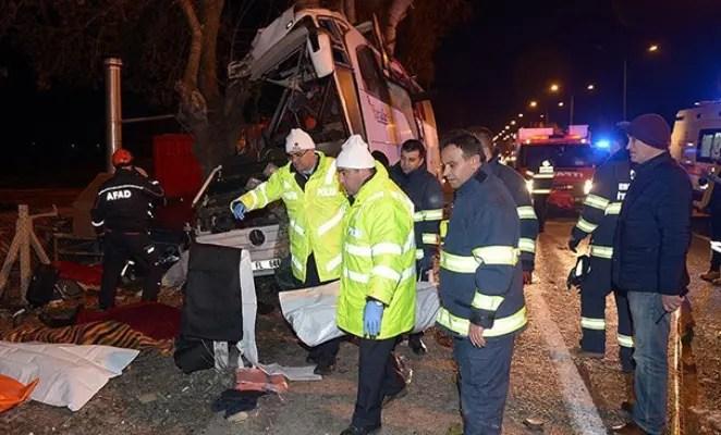 В Турции в аварии школьного автобуса из-за животного погибло 11 человек