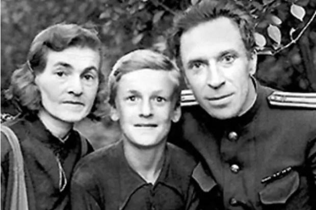 Игорь Кириллов с родителями