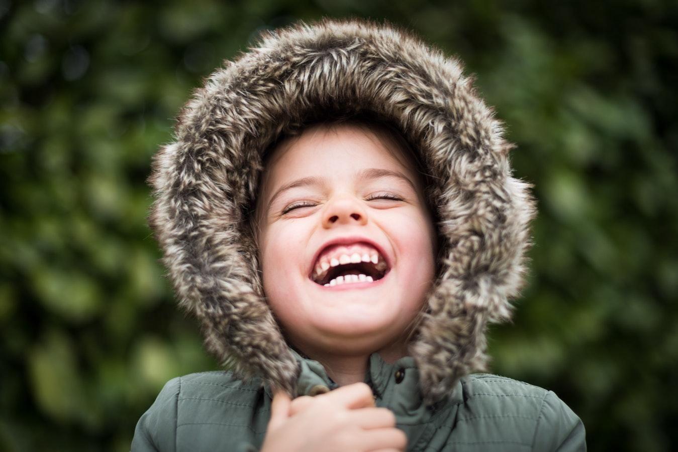 Как правильно одевать ребенка осенью: советы врача ...
