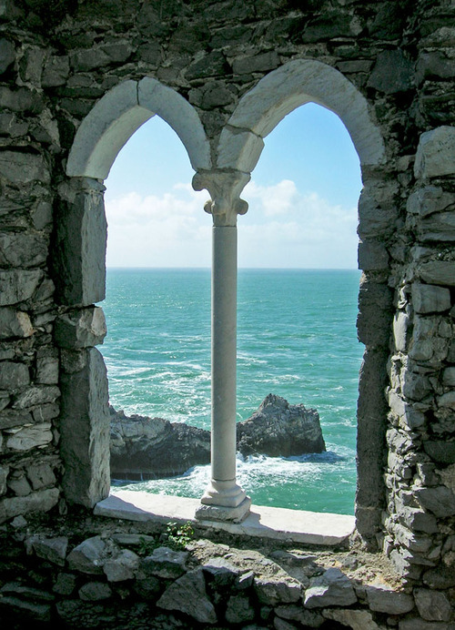 bluepueblo: Ocean Arches, Portovenere Italy photo via silver