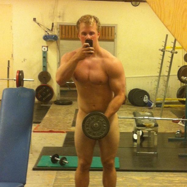 scandinavian hulk posing