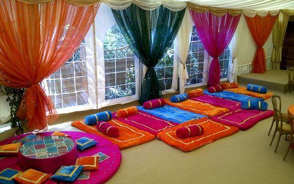 Mehndi decor pakistani wedding for Pakistani bedrooms decoration