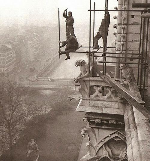 Notre-Dame restoration (Photo:Henri Roger-Viollet)