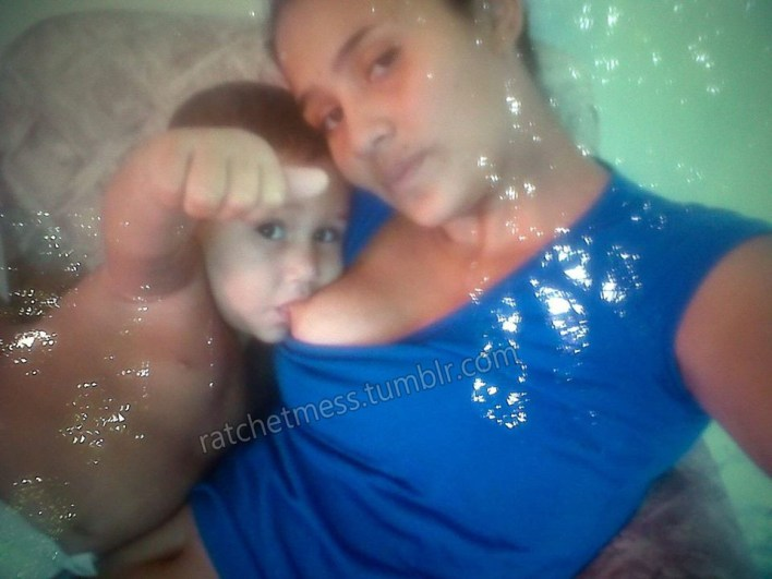 Nothing wrong with breastfeeding but why breastfeeding selfies