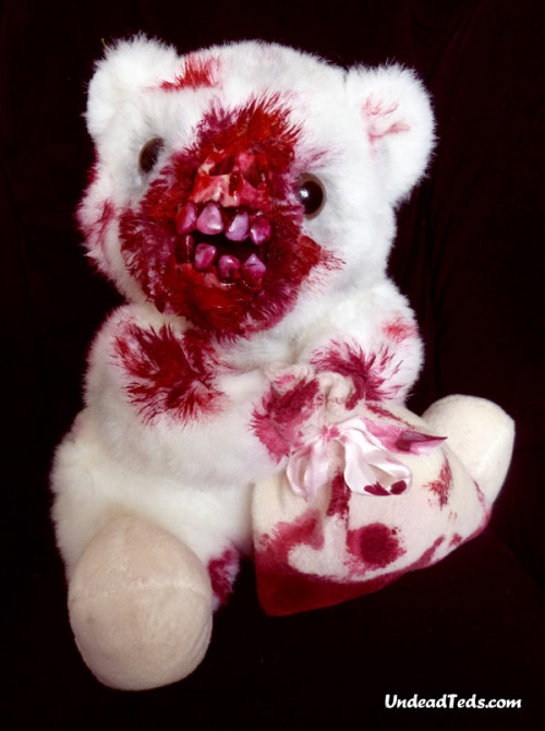 Another UndeadTed with a chewed-off face (seems to be a lot of it going around) This little fella is clutching a blood stained sack containing… Oh I'm not sure I want to know. £39.  Shipping is free in the UK. [LINK]  SOLD
