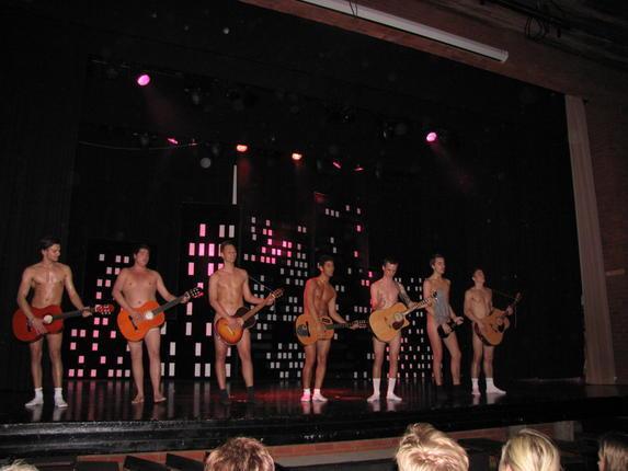 talanted nude boys