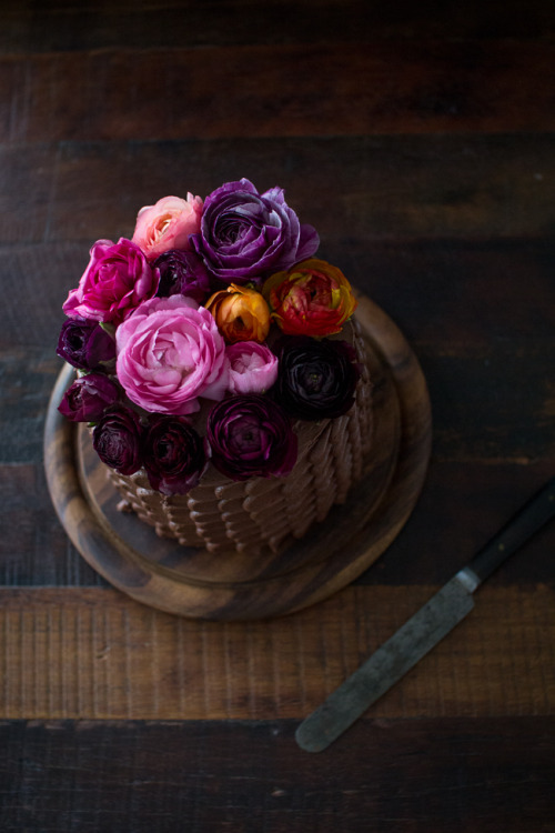 (vía Don't Underestimate the Amount of Time it Takes to Ice a Cake | The Flourishing Foodie)