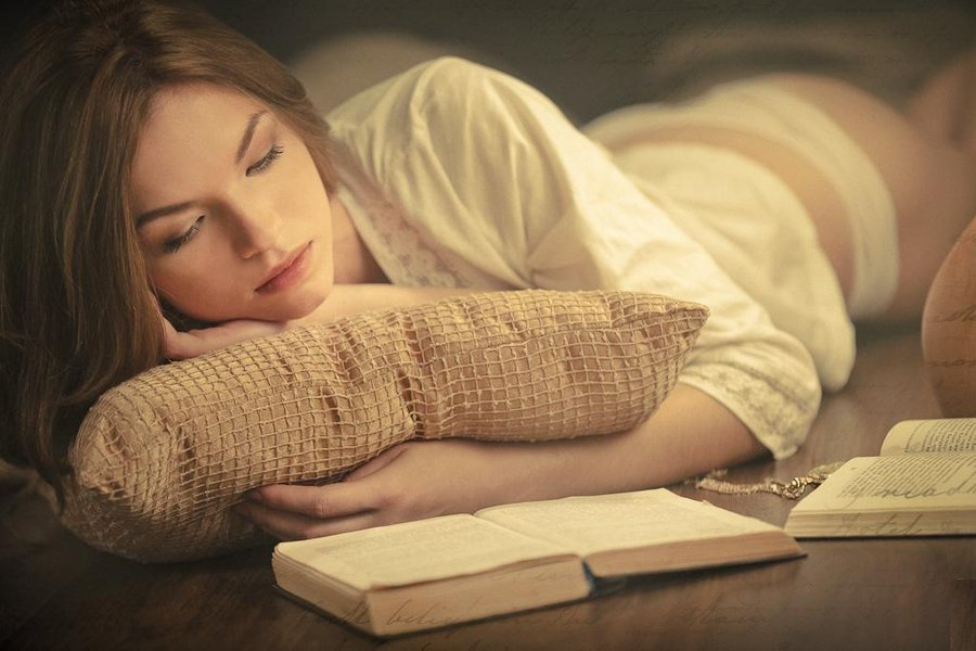 Girl reading a book (4) by ~ImaginationPhotos on deviantART