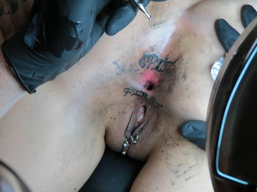 tattoo girl pussy Asshole