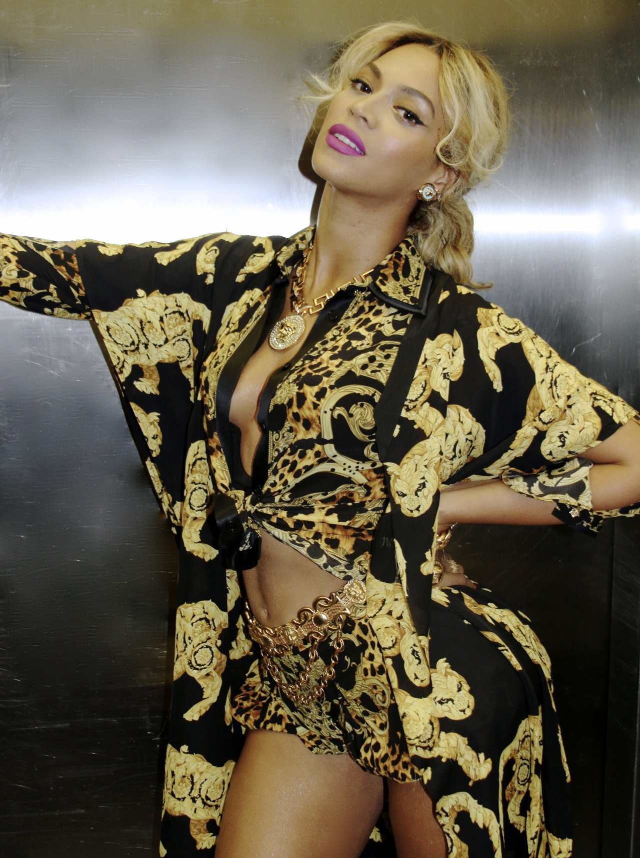 beyonce in versace at blue ivy birthday tumblr pics