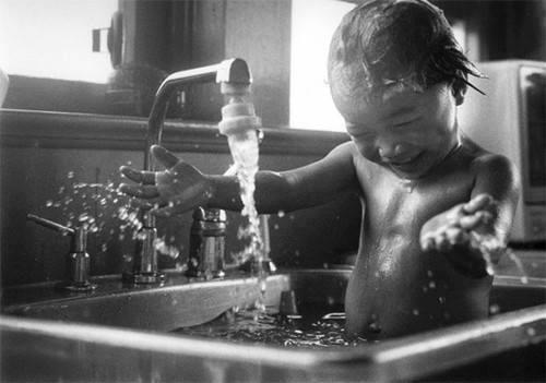 El agua y la infancia como referencia