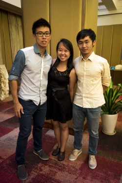Then we took our mini-group shots! Here's mine - with Zhong Ying and Yi Qian!