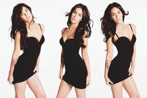 """thaynafagundes:  Megan Fox diz:""""Creio que as pessoas nascem bissexuais e depois fazem escolhas subconscientes baseadas nas pressões sociais. Não tenho dúvidas de que sou bi, mas também sou hipócrita. Nunca namoraria uma garota bi, porque os homens são tão sujos que eu nunca iria querer dormir com uma garota que tenha ido pra cama com eles"""" Diva, sem mais!"""