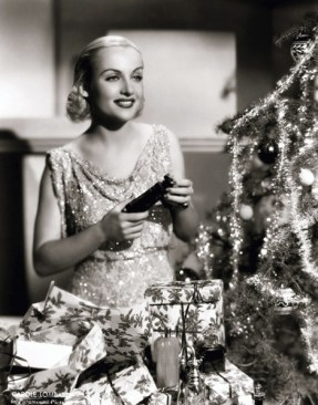 mothgirlwings:</p><br /> <p>Carole Lombard - Christmas 1930s<br /><br />