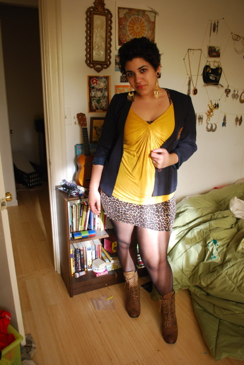 dressup box's feb 1st outfit. gold AND animal print? fuck yeah.