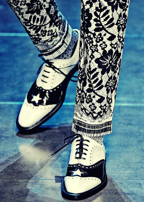 ireallylovalot:  Dolce & Gabbana Fall/Winter 2011/2012 Ready To Wear | Milan