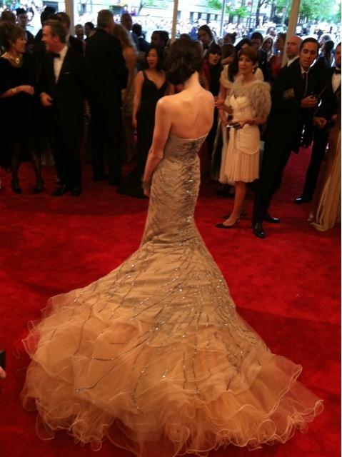 suicideblonde:</p> <p>Ashley Greene at the Met Costume Gala tonight<br /> Beautiful!<br />