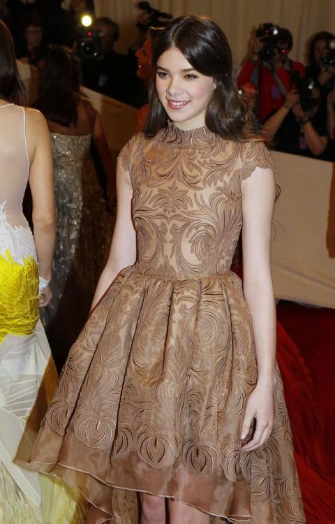 bohemea:  Hailee Steinfeld - MET Costume Gala, May 2nd 2011 Darling girl!
