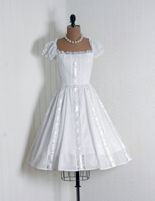 catsmeowjitterbug:  1950's party dress