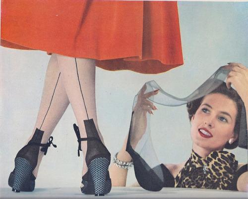 Van Raalte Lingerie Stockings Ad