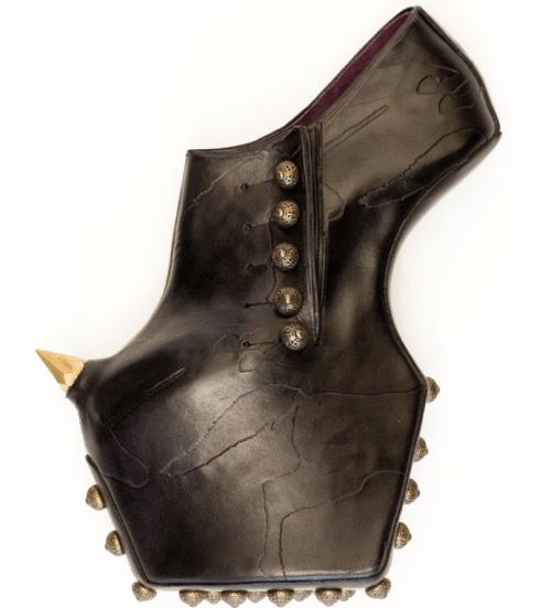 Crazy shoes platform by Noritaka Tatehana.