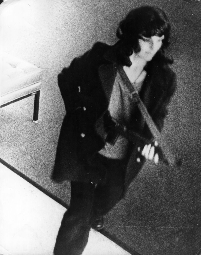 Patty Hearst visiting the bank