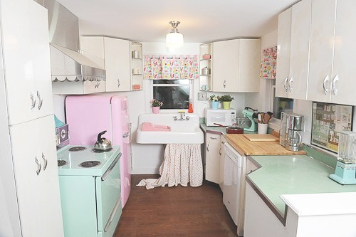 A Kitschy little Kitchen